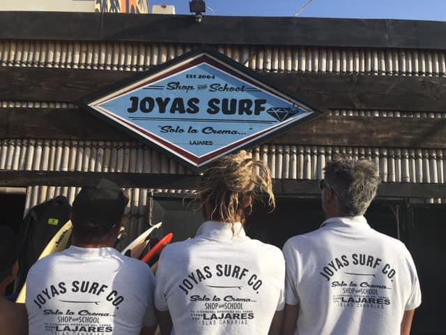 Equipo de monitores de Surf